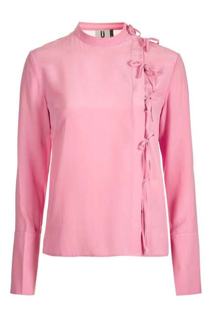 This pink sophisticated highneck blouse remind of both a Chinese Dynasty princess and a Michelin star chef's uniform. Weird, but weird is good.